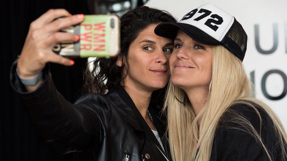 Sofía Elliot y Valentina Godfrid: las actrices que explican Cómo salir del clóset en YouTube