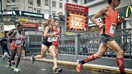 Se corre una maratón y hay varios cortes en la Ciudad