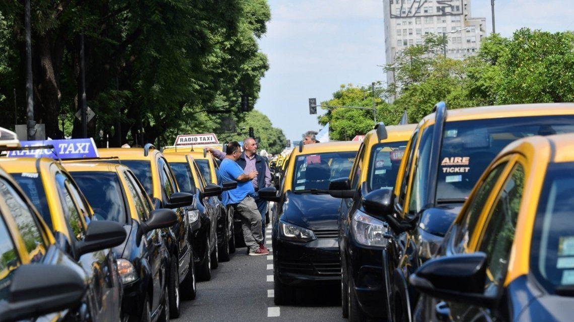Taxistas cortarán varios puntos de la Ciudad en protesta contra las apps de viajes