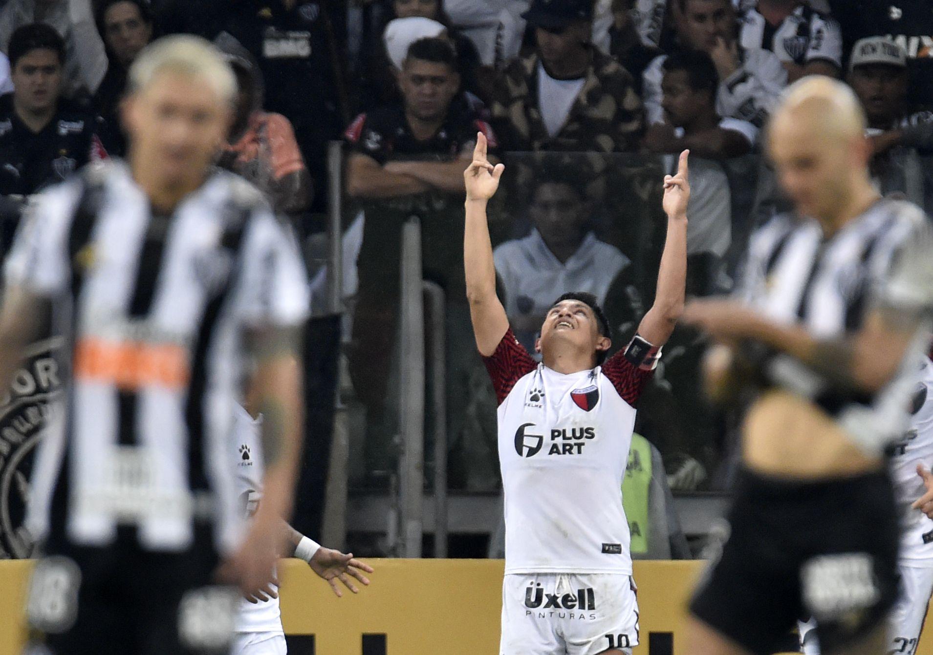 Colón venció en los penales a Atlético Mineiro y jugará la final de la Copa Sudamericana