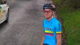 VIDEO: El desconsolado llanto de un ciclista al que se le destruyó la bicicleta en pleno Mundial