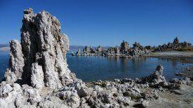 Mono Lake, un ambiente hostil para la vida donde sin embargo se desarrolla elAuanema sp
