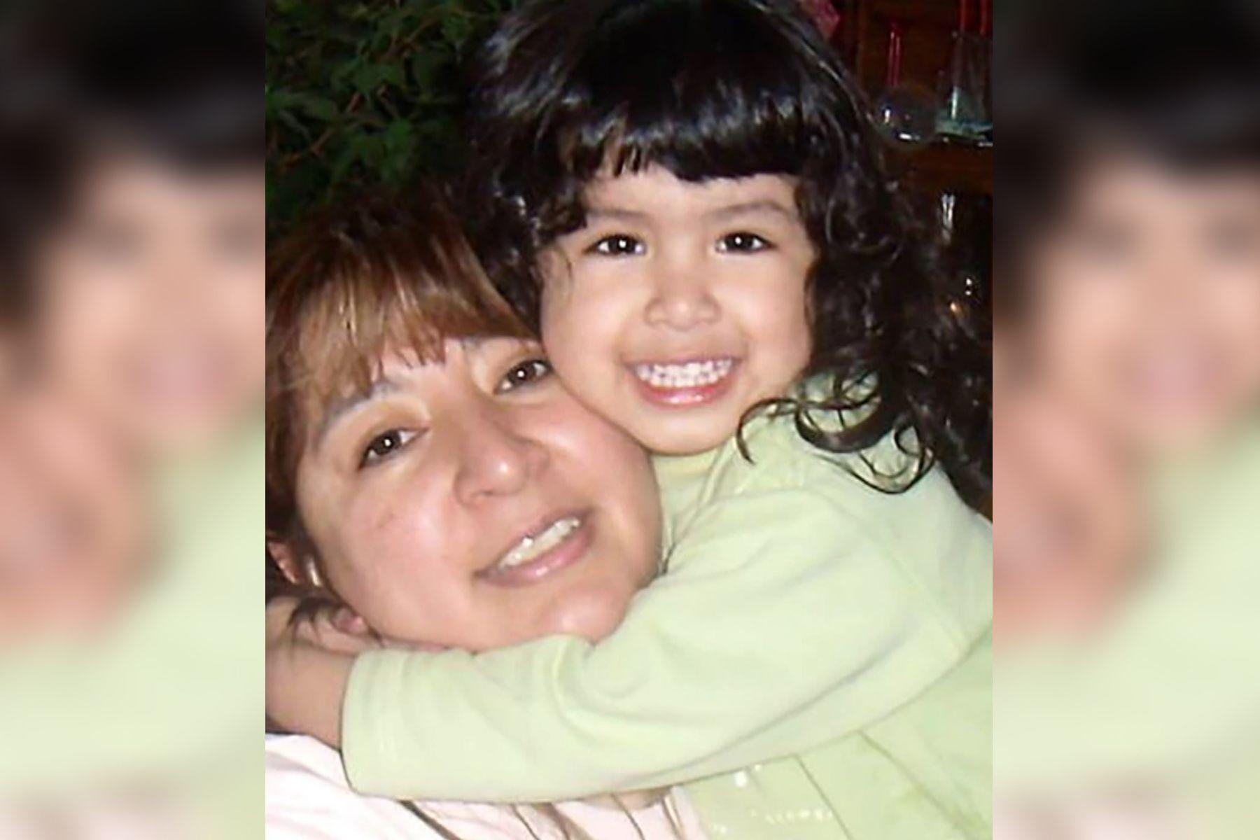 María Elena junto a Sofía.