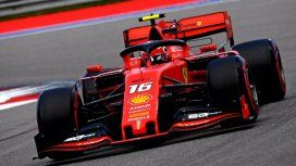 Leclerc sumó su cuarta pole position e igualó la marca de Schumacher