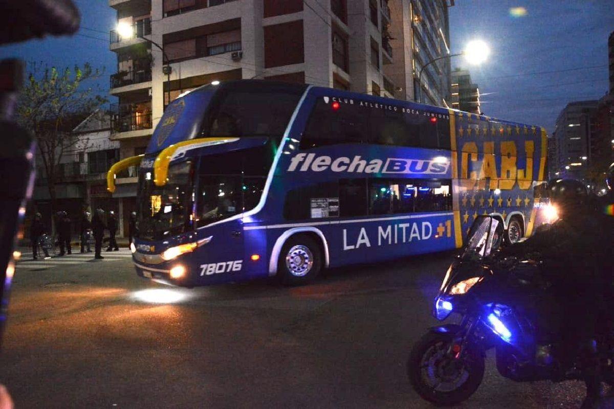 VIDEO: Así fue el ingreso del plantel de Boca al estadio Monumental