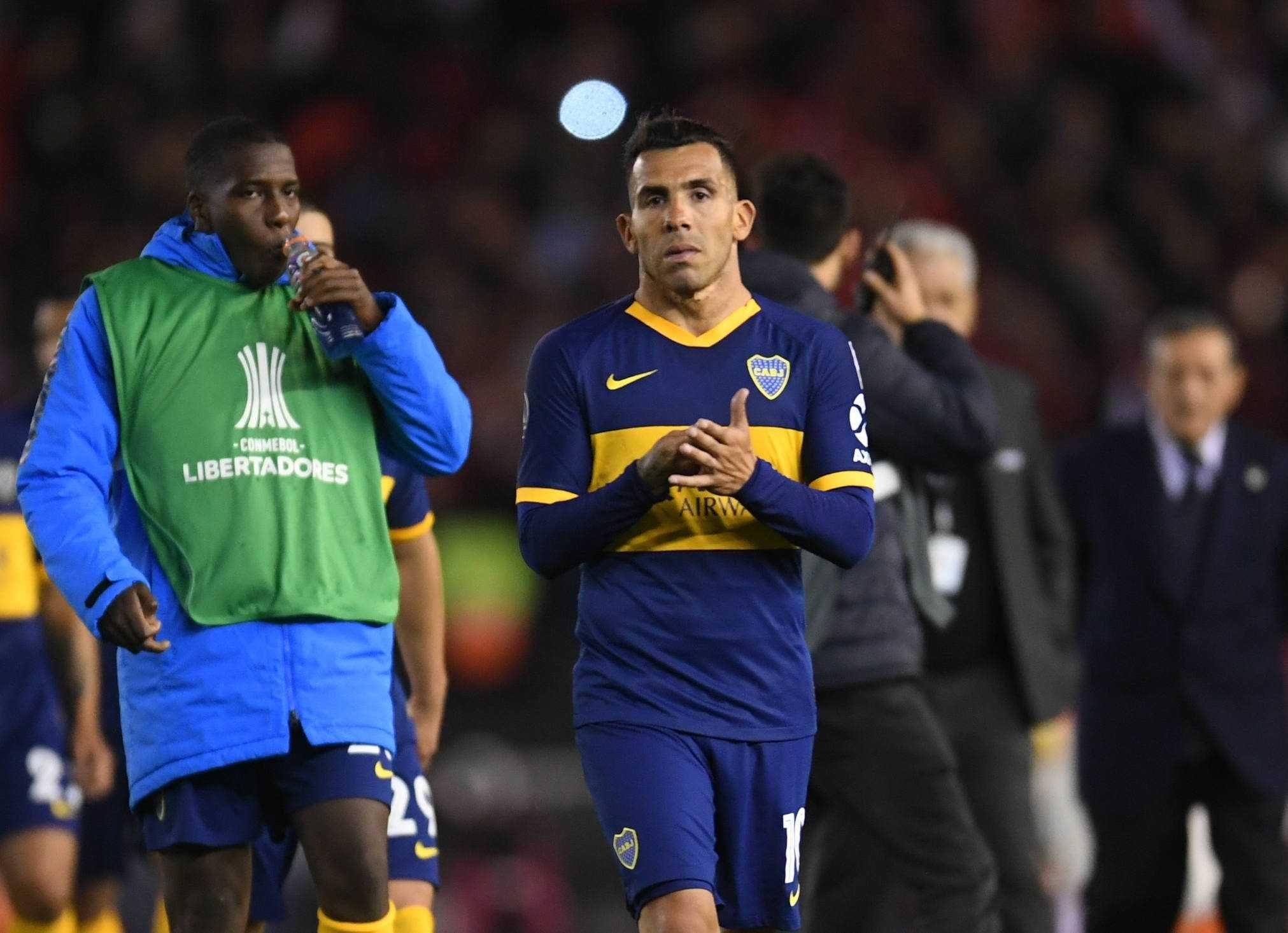 ¿No juega más en Boca? Tevez se desgarró y su futuro es incierto