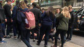 Una patota atacó a un grupo de alumnos a la salida de un colegio en Caballito