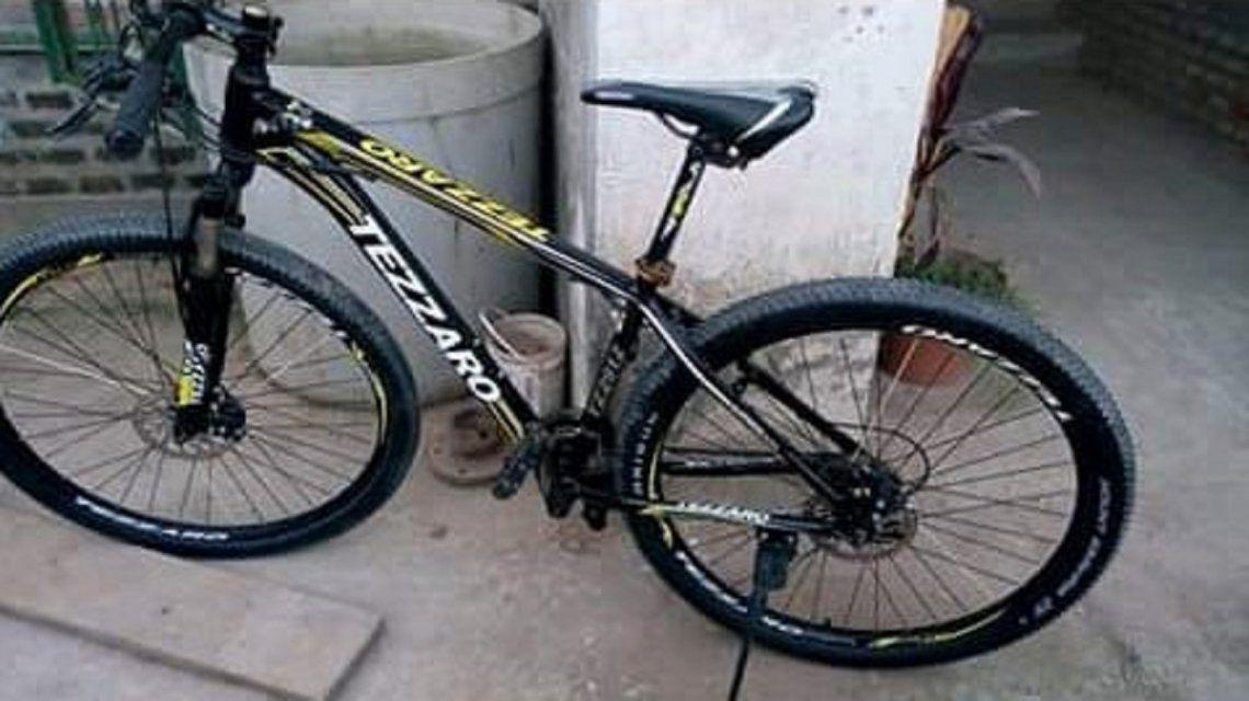 Robó una bici y la devolvió horas más tarde con una nota de disculpas: Era por necesidad