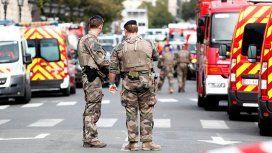 Un hombre mató a puñaladas a cuatro policías en pleno centro de París