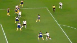 La nueva queja de los hinchas de Boca: ¿hubo mano en la jugada previa al penal?