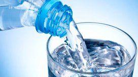 Prohíben la venta de agua mineral, leche en polvo, dulces regionales y un aceite