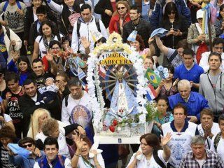miles de fieles participan de una nueva peregrinacion a lujan: madre, ayudanos a unirnos como pueblo