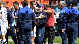 El primer festejo de Diego Maradona como entrenador de Gimnasia