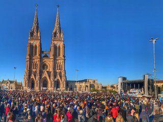 monsenor vazquez, en la misa por la peregrinacion a lujan: el pueblo no quiere mas grietas ni enfrentamientos
