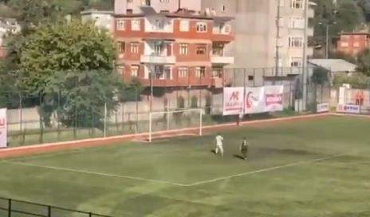 Un jugador de la cuarta categoría del fútbol turco erró el único gol imposible de errar