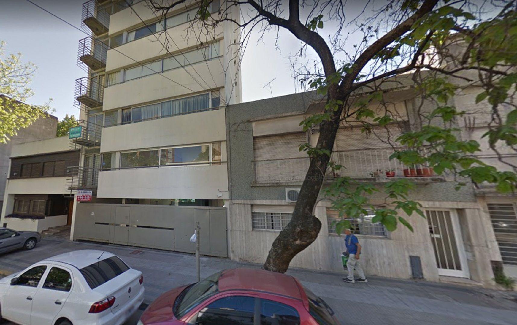 La Plata: una embarazada cayó de un sexto piso y murió