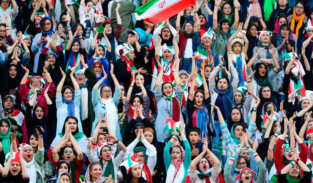 Histórico: las mujeres de Irán asistieron a un partido de fútbol por primera vez en 40 años