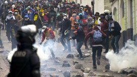 Ecuador: el ejército se enfrenta con la policía para evitar la represión a manifestantes