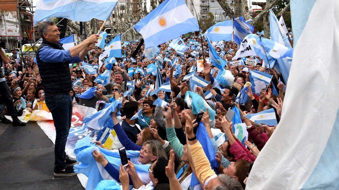 Macri dijo que a sus marchas no van por un choripán y disparó: Uno está con la familia o con el narcotráfico