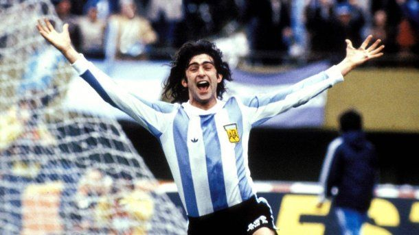 Mario Alberto Kempes en su hora más gloriosa: goleador y figura del Mundial Argentina '78