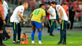 Neymar salió lesionado en el amistoso ante Nigeria y enciende las alarmas