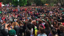 Marea verde y violeta: unas 200 mil mujeres coparon La Plata en un encuentro histórico