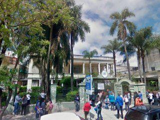 juicio y embargo para una alumna por una falsa amenaza de bomba en el normal 8 de la ciudad