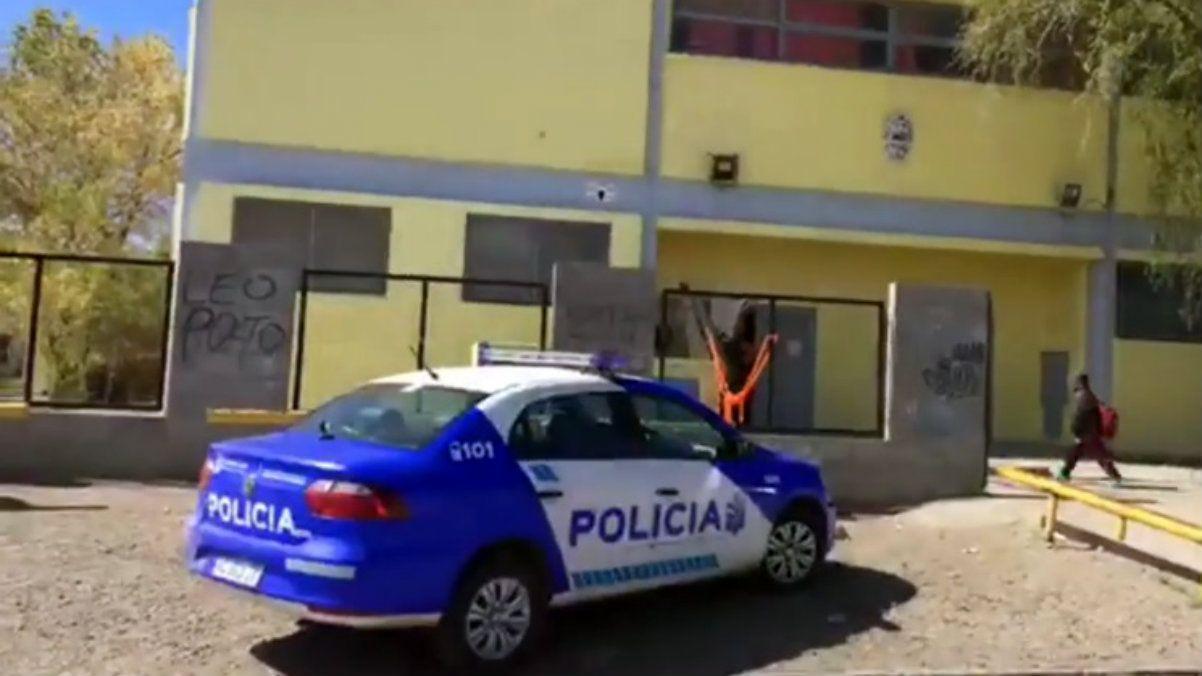 Un chico de 10 años llevó una pistola cargada a la escuela en Caleta Olivia