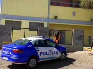 un chico de 10 anos llevo una pistola cargada a la escuela en caleta olivia