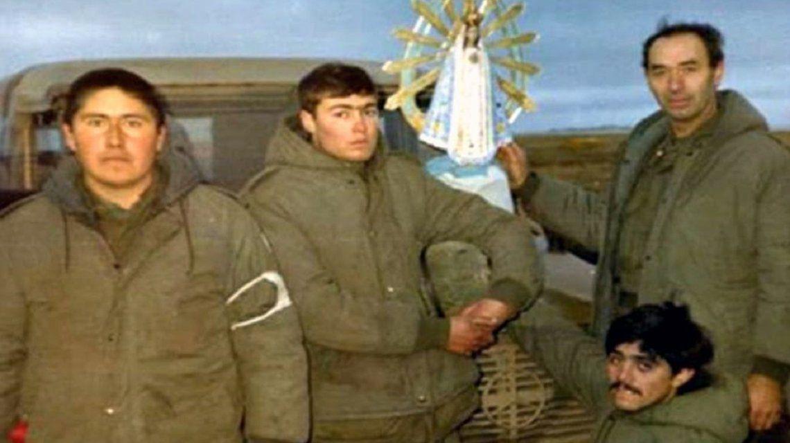 Un ex combatiente de Malvinas viajará al Vaticano para recuperar la virgen que lo acompañó en la guerra