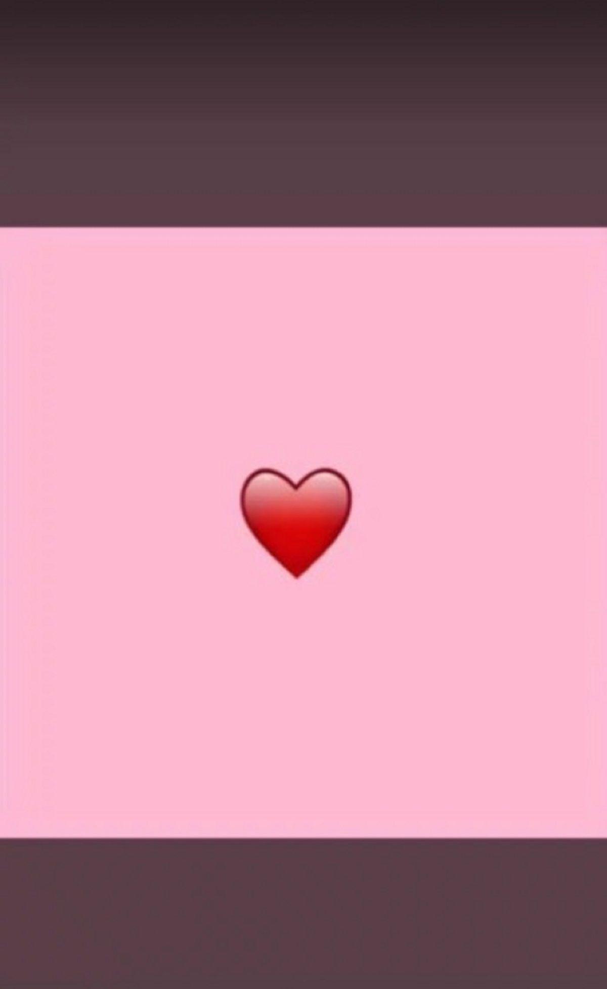 El corazón rosa de WhatsApp: la campaña contra el cáncer de mama de la OMS