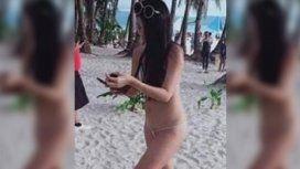 Una turista fue detenida en una playa de Filipinas por usar un bikini erótico