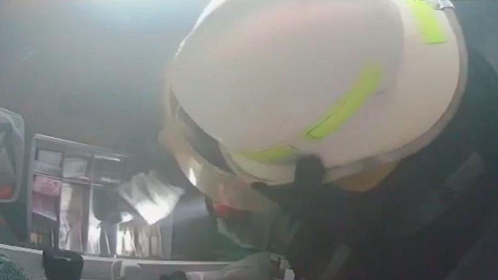 Córdoba: un bombero robó en un negocio mientras apagaba un incendio