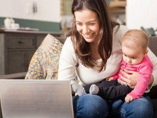 dia de la madre: cada vez mas mamas crian solas a sus hijos