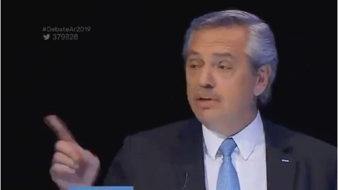 Dedito acusador: Alberto Fernández reclamó que Macri olvide su índice y se preocupe por el de inflación