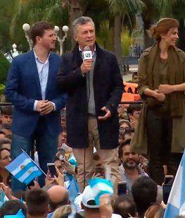 Macri volvió a chicanear a Alberto: ¿Otra con celular? ¡Estas abuelas rebeldes!