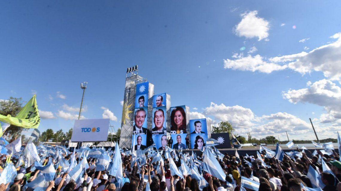 Alberto Fernández y Cristina Kirchner, juntos en el Día de la Lealtad peronista