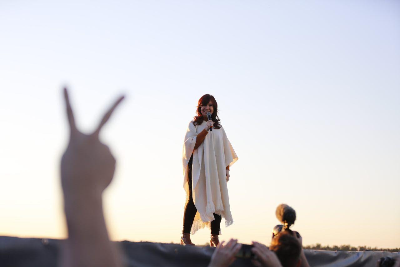 Cristina Kirchner: Han devastado el país y tendremos que saber en qué se fue la plata del endeudamiento de estos años