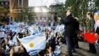 Discurso extenso, cortes de calle y pantallas gigantes: los detalles de la marcha del millón