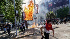 VIDEO: Feroz represión en Chile y tercer toque de queda