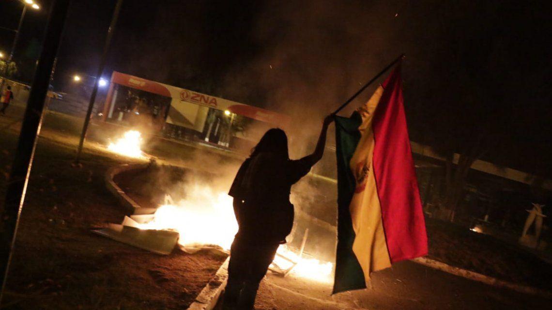 Incertidumbre y violencia en Bolivia luego de las elecciones: otra vez habría balotaje