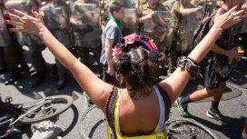 Denuncian a carabineros por abusos sexuales en las protestas contra Piñera