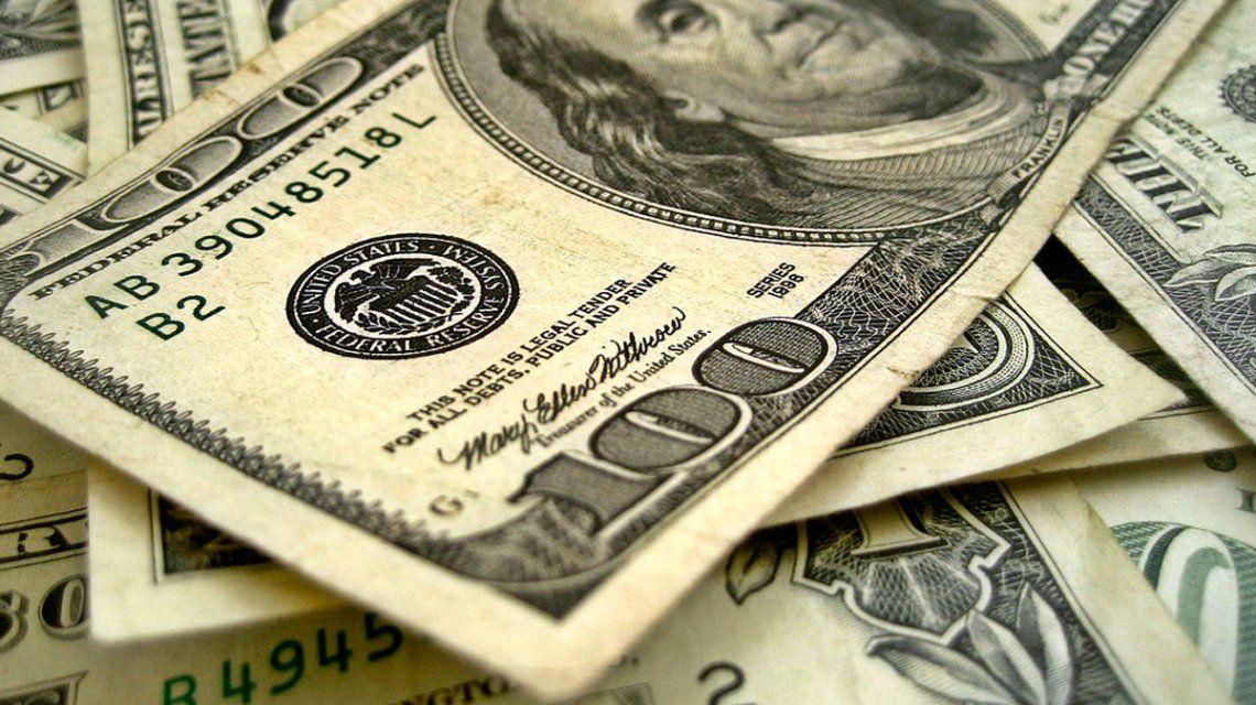 El dólar blue subió otros 6 pesos y ya casi duplica al oficial