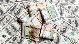 El dólar oficial se disparó y batió su récord: el blue roza los 70 pesos