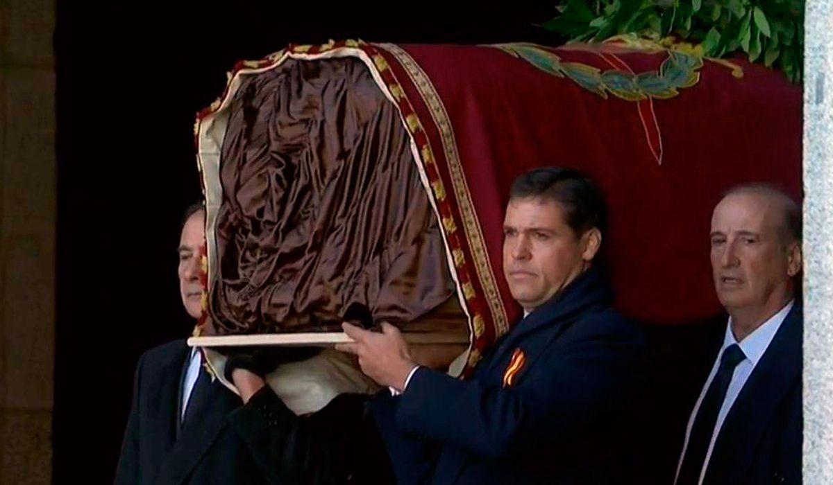 España: así exhumaron los restos de Francisco Franco
