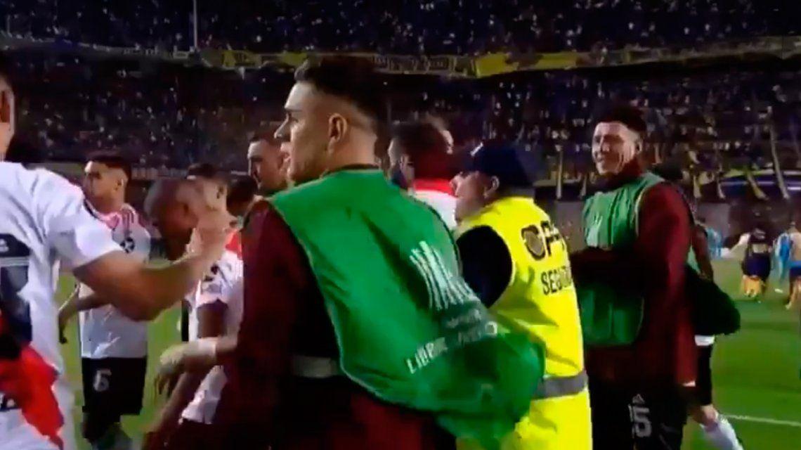Festejó con los jugadores de River y se quedó sin trabajo: Boca pidió que me echen