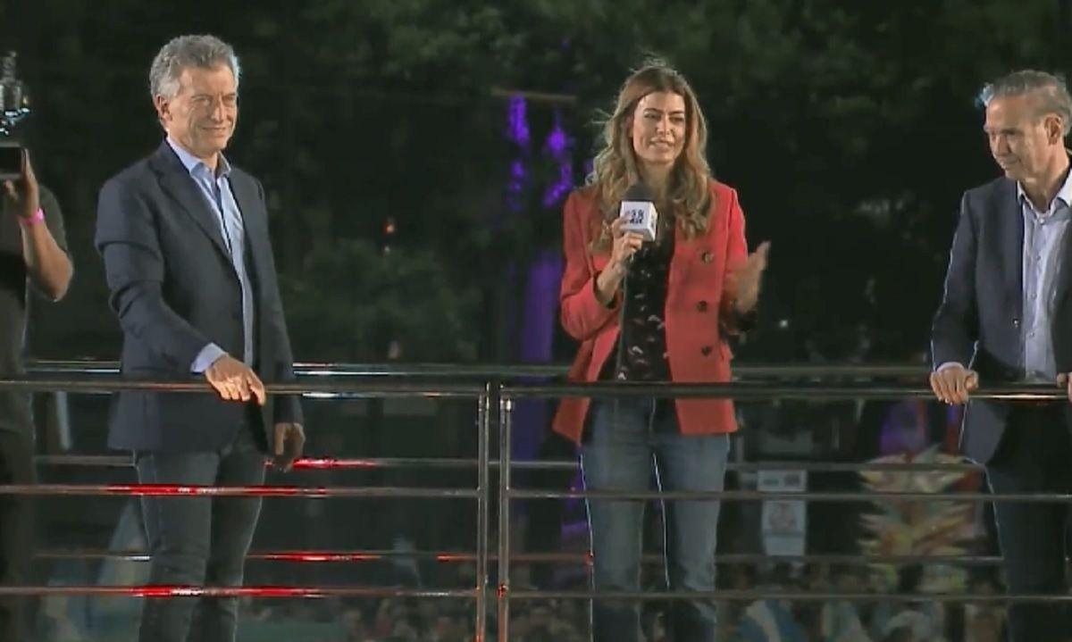 Juliana Awada sorprendió en Córdoba y dio un breve discurso en el cierre de campaña