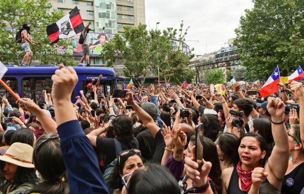 Casi un millón de personas se reunieron este viernes en la plaza Italia de Santiago