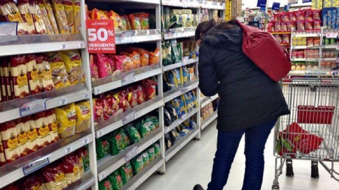 Solidaridad social: una cadena de supermercados congela el precio de 1.300 artículos hasta abril