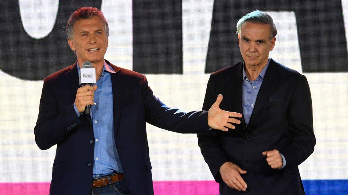 Macri felicitó a Alberto Fernández por la victoria y lo convocó a avanzar en la transición